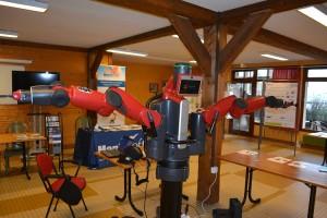 Le robot Baxter présenté lors des journées de la recherche en robotique (JNRR 2013)