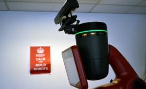 Le robot collaboratif avec une Kinect motorisée