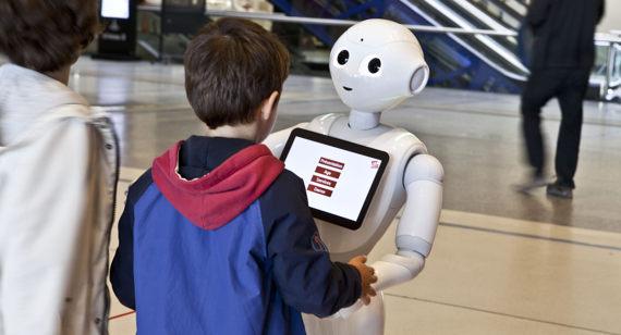 Pepper robot Universcience