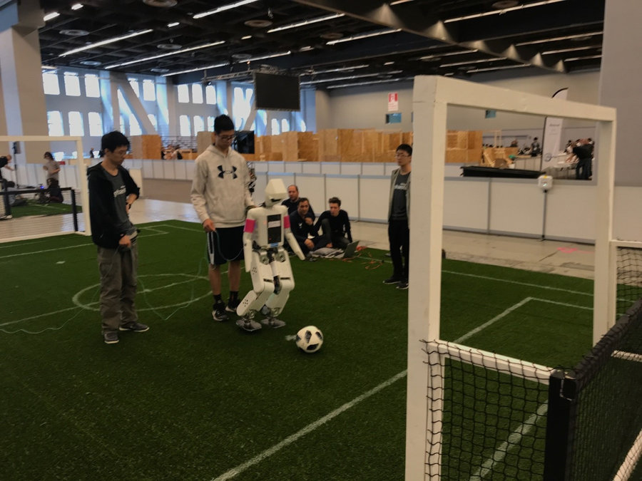 robocup-2018-ligue-soccer-msl-humanoid