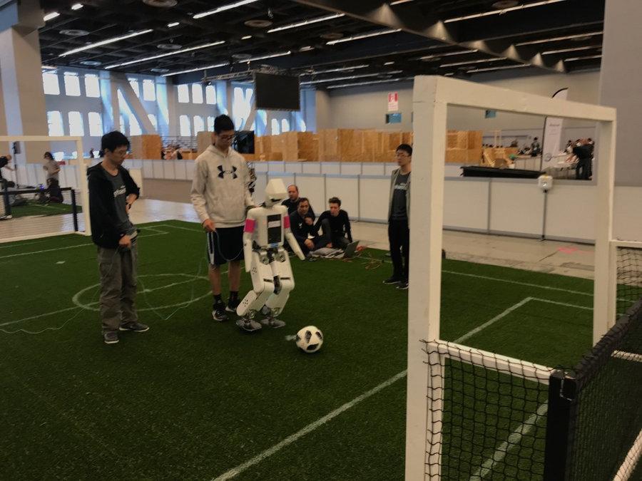 robocup-2018-ligue-soccer-msl-humanoid