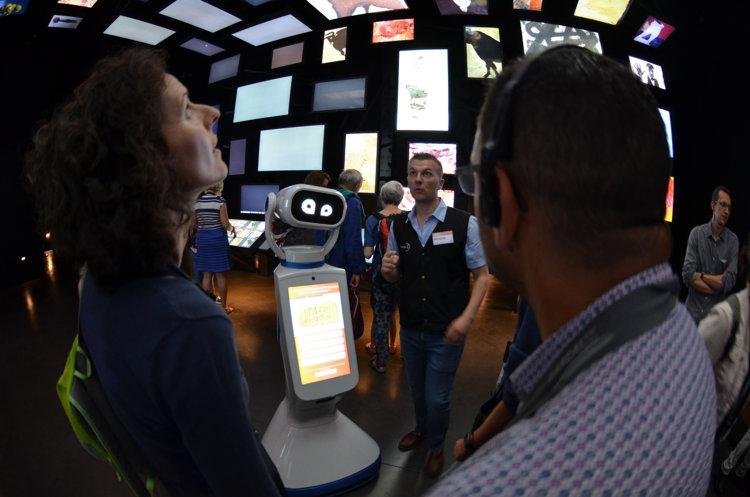 Robot Heasy à la grotte de Lascaux