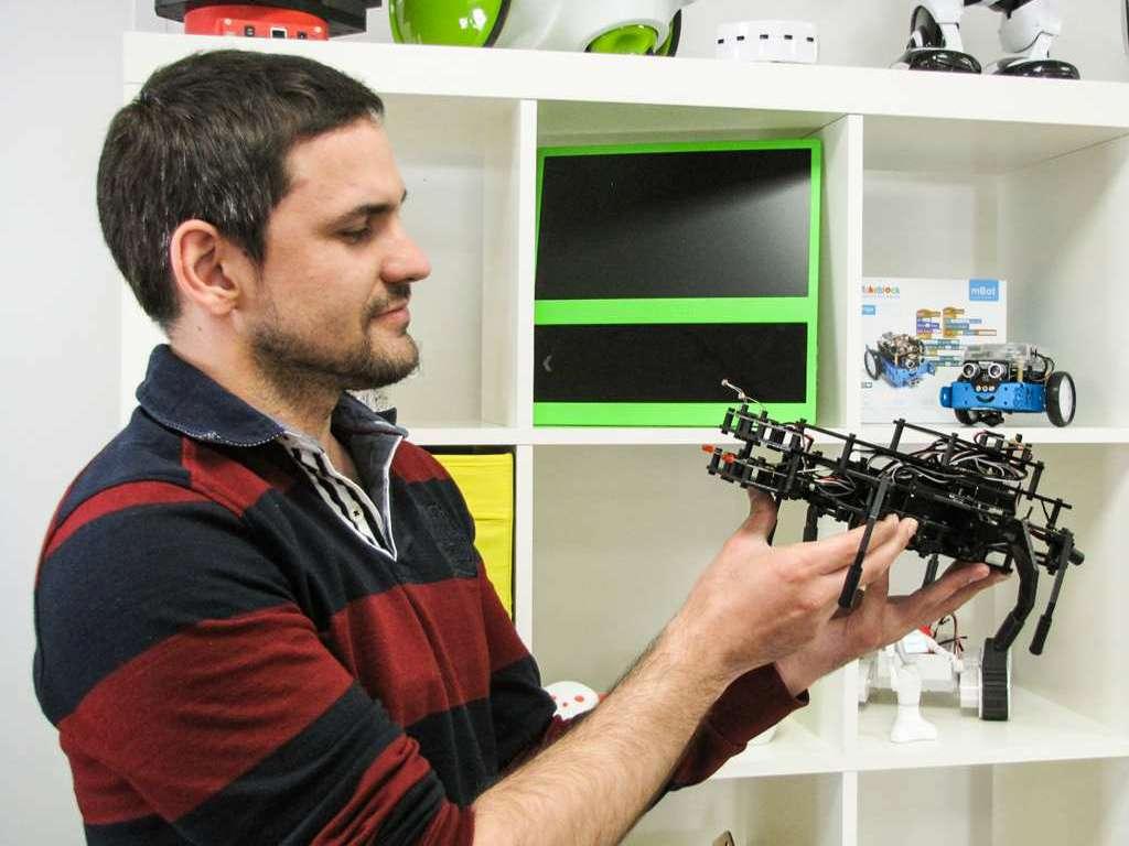 Laurent Generation Robots