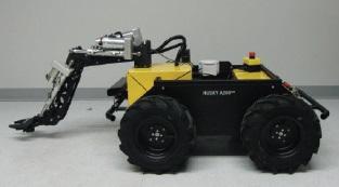 Die mobile Plattform Husky A200 lässt sich mit zahlreichen industriellen Bewegungselementen und Greifern kombinieren