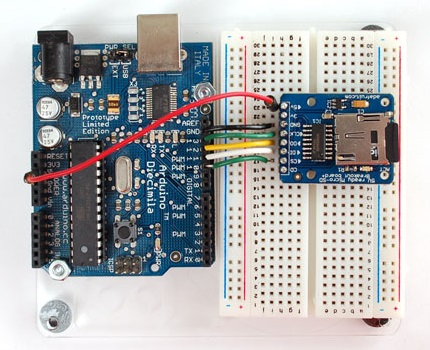 Connection of an Arduino board with the microSD adapter