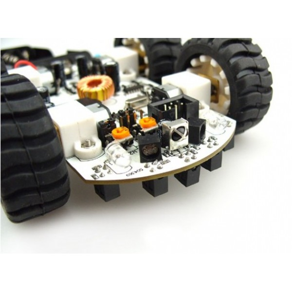 front view of the arduino compatible 4x4 miniQ robotics base